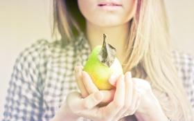 Картинка девушка, настроения, еда, фрукт, груша