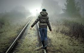 Обои лес, девушка, туман, Рельсы