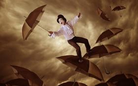 Обои человек, ситуация, зонты