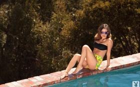 Картинка модель, playboy, бассейн, брюнетка, очки, CARLIE CHRISTINE