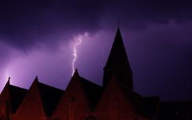 Картинка небо, ночь, дом, башня, гроза, крыша, молния