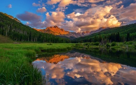 Картинка лес, небо, вода, облака, отражения, горы, озеро