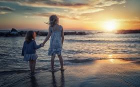Обои море, закат, девочки