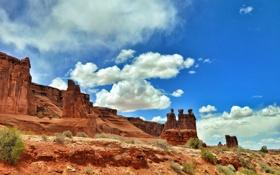 Картинка небо, облака, горы, камни, скалы, сша, кусты