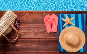 Обои вода, полотенце, шляпа, очки, морская звезда, сумка, сланцы