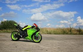 Картинка небо, облака, green, тень, мотоцикл, yamaha, bike