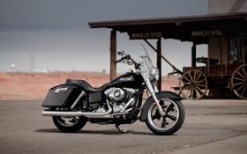 Обои крыша, чёрный, мотоцикл, байк, колёса, Harley-Davidson, круизер