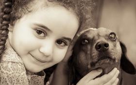 Обои улыбка, собака, девочка, такса, друзья