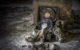 Картинка музыка, противогазы, пластинки