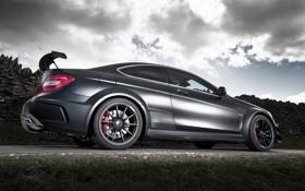 Обои дорога, небо, чёрный, купе, Mercedes-Benz, Мерседес, вид сзади