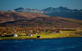 Картинка долина, деревья, дома, склон, горы, небо, озеро
