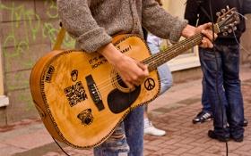 Обои музыка, улица, гитара