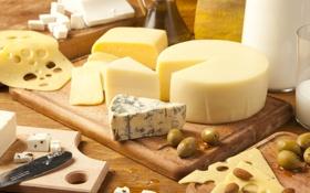 Обои сорта, сыр, горгонзола, миндаль, молоко, доска, эмменталь