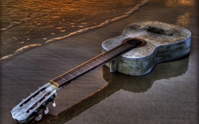 Обои песок, музыка, вода, гитара