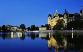 Обои мост, отражение, река, замок, вечер, Германия, Schwerin castle