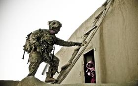 Обои дом, солдат, лестница