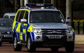 Картинка улица, Лондон, Mitsubishi Pajero, полицейская машина, Мицубиси Паджеро, полноразмерный внедорожник