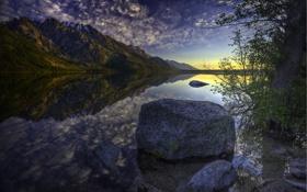 Картинка небо, вода, облака, природа, отражение, камень, гора