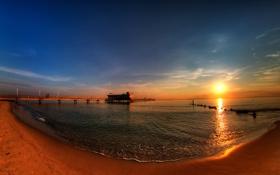 Картинка песок, облака, Пляж, небо, пирс, вода, солнце