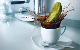 Обои брызги, всплеск, Кофе, ложка, чашка, Coffe, огурчик