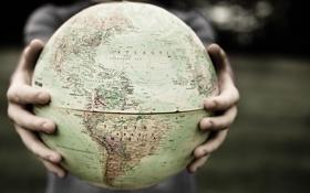 Обои мир, карта, руки, пальцы, глобус, Южная Америка