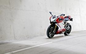 Картинка дорога, белый, стена, разметка, white, bike, ducati