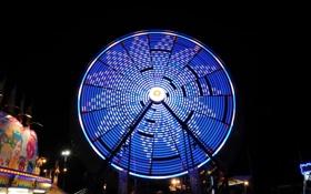Обои ночь, огни, аттракцион, парк развлечений, колесо́ обозрения, «чёртово колесо́»