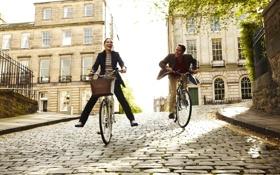 Обои город, прогулка, велосипеды, парень, настроение, девушка