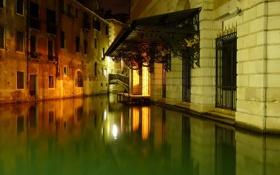 Обои вода, ночь, огни, дома, канал, крыльцо