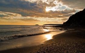 Обои песок, море, волны, небо, вода, солнце, лучи