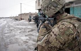 Обои война, улица, солдат, автомат