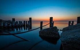 Обои озеро, камни, Chicago, Illinois, Sunrise, сваи, Lake Michigan