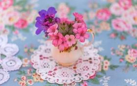 Обои цветы, нежность, размытость, ваза, салфетка
