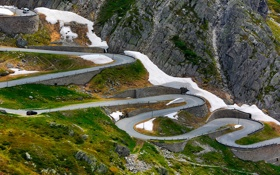 Обои дорога, снег, горы, серпантин