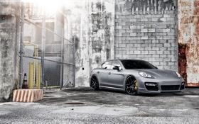 Обои серый, стена, сетка, забор, Porsche, Panamera, порше