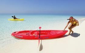 Обои песок, берег, женщина, лодка, Море, горизонт, простор