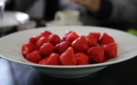 Картинка макро, еда, клубника, ягода, тарелка