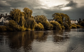 Картинка облака, река, деревья, гроза, деревня
