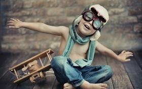 Картинка игрушка, джинсы, мальчик, очки, аэроплан, шлем, самолёт