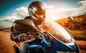 Картинка дорога, облака, человек, мотоцикл