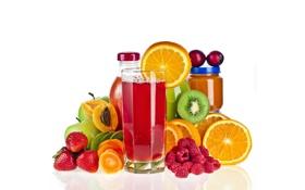 Картинка стакан, малина, яблоки, апельсины, киви, клубника, фрукты
