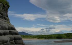 Картинка лес, небо, облака, природа, скала, река, фото