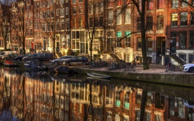 Картинка ветки, здания, канал, Амстердам, Нидерланды, зеркало, лодки
