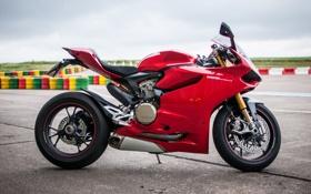 Обои красный, мотоцикл, red, вид сбоку, трек, bike, дукати