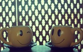 Обои кружки, улыбка, подмигивание