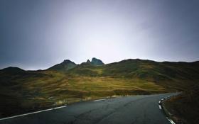 Картинка дорога, небо, горы, серые облака
