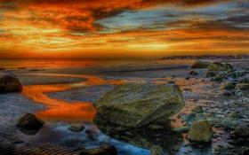 Обои камни, небо, вечер, море, берег, отлив, зарево