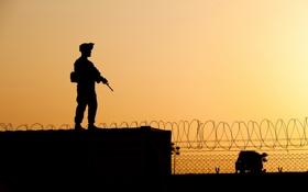 Картинка забор, силуэт, солдат