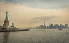 Картинка Нью-Йорк, Манхэттен, статуя Свободы, река Гудзон