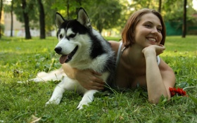 Обои друг, девушка, хаски, собака
